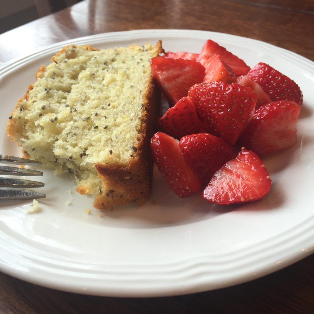 lemon-breakfast-bread-recipe-with-chia